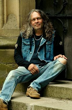Pavel Strnad - kytara, zpěv